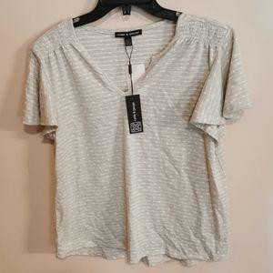 Bnwt, t-shirt, size L